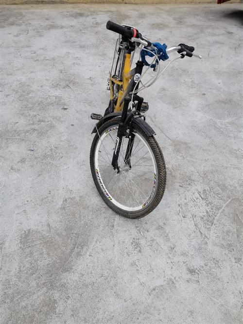 七八成新自行車,買來沒騎好久就放在家里的