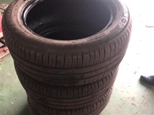 米其林轮胎,205/55/16,**轮胎,用了不到一个月,支持自提,不支持包邮