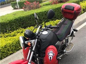 本田125摩托车,一手车,手续齐全,本人一手骑,无任何暗病,无刮痕,无瑕呲,识货的来,可过户,电话:...