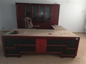 �k公用品一套,**,桌�L�s2.6米。�r格加微信商�h
