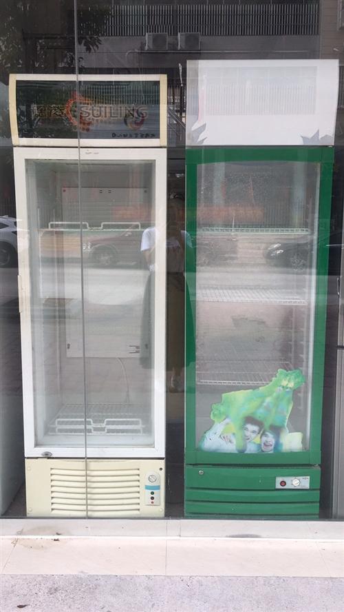 饮料展示柜转让,在环城西路亿多超市对面,450-500元。