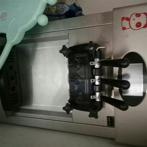 冰淇淋机九成新低价转让