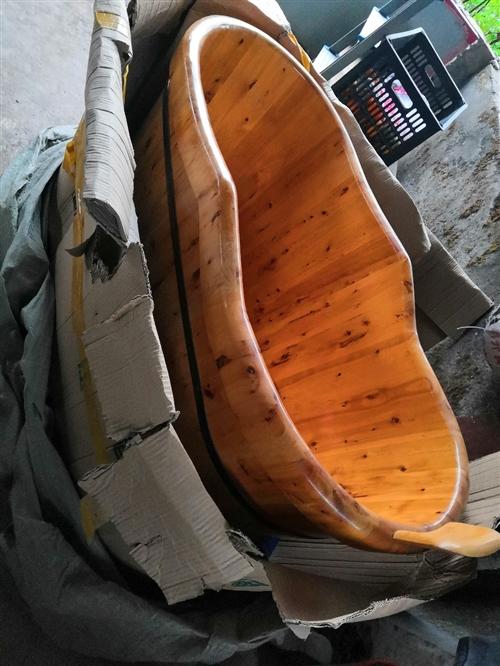 寶貝實木沐浴桶**,一次沒有用過,由于我家地方窄了,無法使用,現便宜售出!電話咨詢177755356...