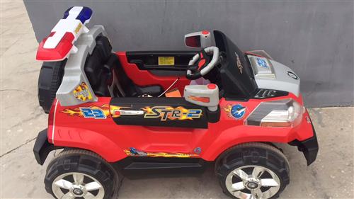 宝贝描述 出售一辆九成新儿童电动汽车,电池是新换的,**,可遥控可自己开,买回来孩子不坐所以一直闲...