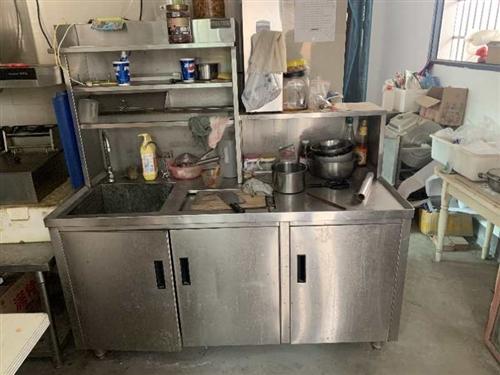 低价出售水吧台 制冰机 冰柜