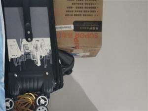 私人出售一����煲美的,一��微波�t�K泊��,都�]用�^新的���一起400�K�ё啁Q山可��面交易自提