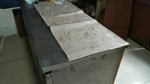 厨用冰柜使用中可当操作台用180×80心动价格500元