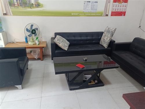 9成新沙发一套带茶几一起出售