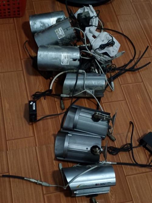 模式監控攝像頭50一個。要的搞快機會難得啊。電源接頭都有的啊。好的好的一共就7個