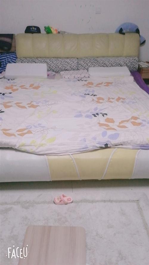 处理九成新双人床~电视柜~梳妆台~儿童沙发15689266567