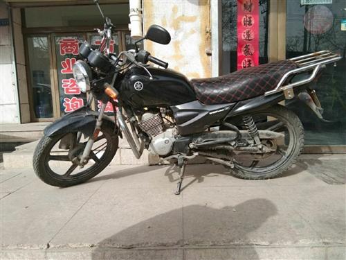 雅马哈摩托车手续齐全,低价出售,可置换,电话微信15293729688