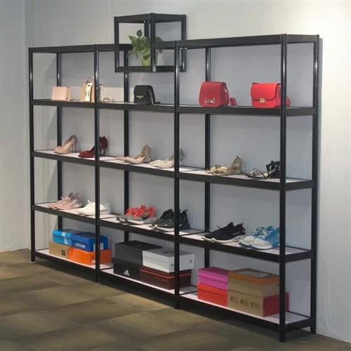 出售九成新架子可放鞋,包,多肉,也可在家里放物品。 當時買880 低價出售480