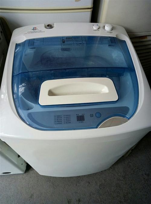 全自動洗衣機,八成新價格面議。