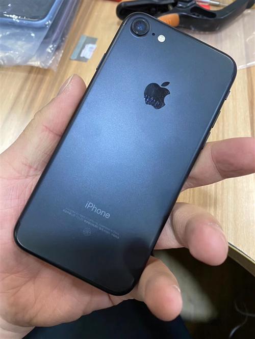 高价高价回收二手手机,苹果,华为,小米,三星等品牌手机