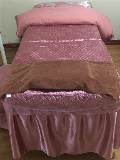 出售兩張美容床,九成新,床套全帶,需要微信[微笑]15009282501