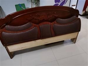 1.8米宽床头,电视柜出售,床头180元,电视柜180元