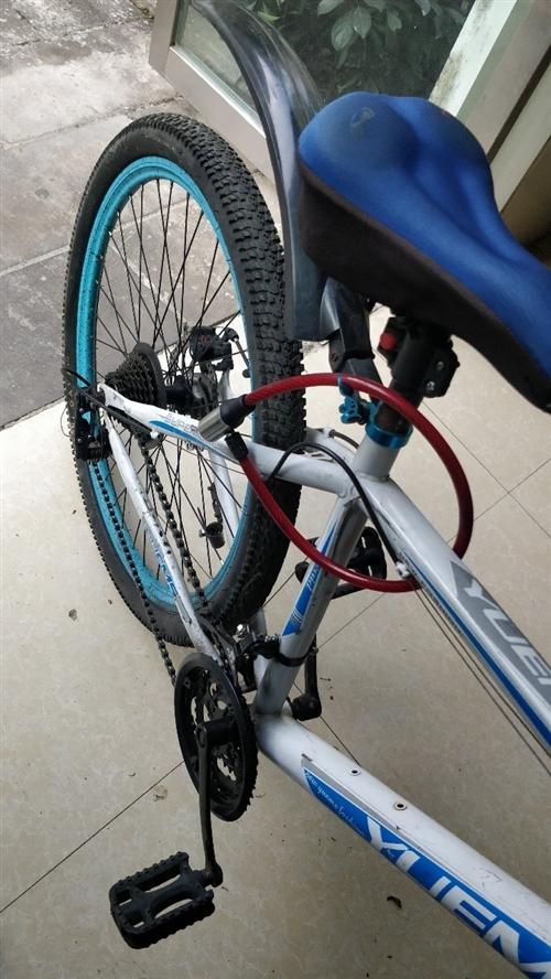 八成新自行车,骑了一个月换电动车了,基本没什么毛病。有要的朋友联系我微信18213145960,送一...