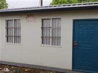 家有閑置的活動房兩個,一個**7500,一個8成新5000,長6米寬3米,誠心出售。