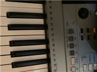 雅马哈电子琴e353 带琴架,音质很好。9成新