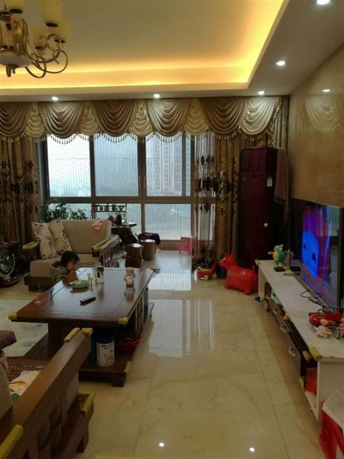 5房2厅3卫  精装修 面积178平米 包括家具家电