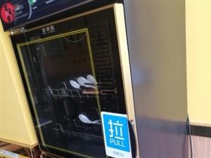 消毒柜九成新,只用了两个月,现在低价处理