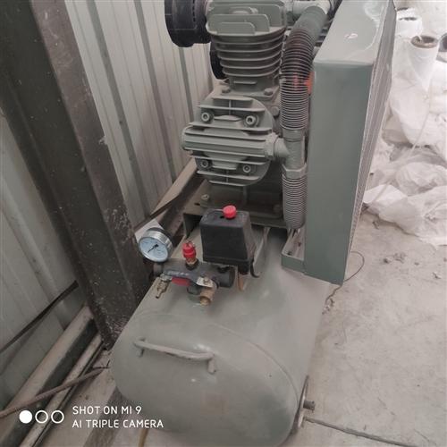 由于換設備,廢鐵價轉讓9.9成新空壓機一臺,8成新兩臺臺,儲氣罐一個,聯系電話17839766699