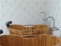 八成新實木浴桶,原價680元/個,尺寸1.22×0.62,可容納一個大人半躺泡浴。適用于美容院,洗浴...