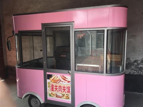 二手小吃车,2.7长1.7宽,1万元内置冰箱,烤炉