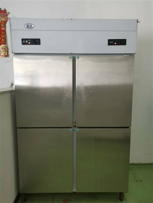 饭店厨房不锈钢冷藏柜,下层冷藏,上层冷冻,八成新,
