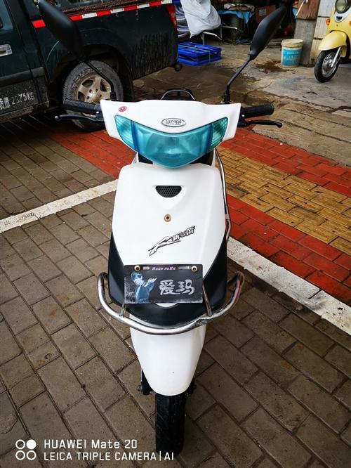 新蕾電動車,8成新,巧格款,方便時尚。在供電局紅綠燈往新都方向50米二手車行