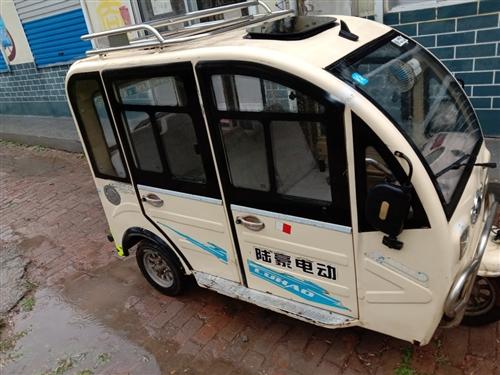 七成新二手电动棚车转让,45的新电瓶,充满电能跑40公里,倒车影像,录音机音乐播放器都正常使用