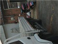 小型卡车,车箱长4.2米,宽2米,栏杆高40公分,