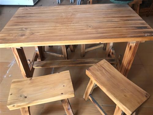 一米二*70的实木桌7套低价出售。