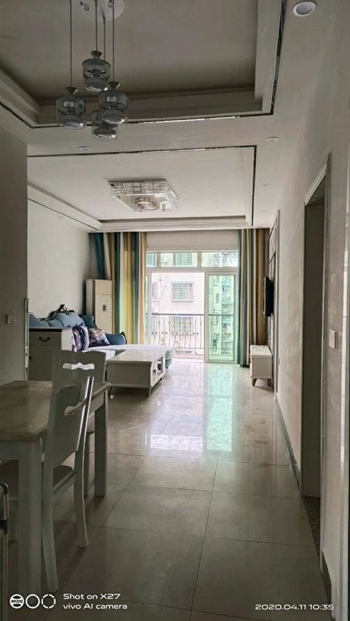 萬興5樓,位置好彩光好,家電家具齊全,88平米,兩室兩廳一衛,售