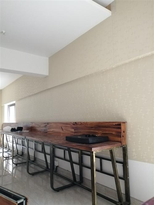 出售电脑桌,办公桌,有7张,木料结实耐用!200元一张,