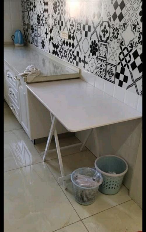 折叠桌子餐桌家用简易便携