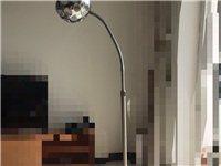 出售一盞9層新的臥室燈 燈泡可拆卸、燈可長短伸縮 配有遙控開關、有意者可電聯 ??:13714...