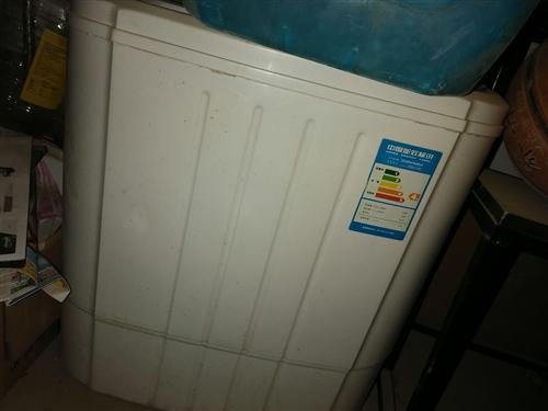 迷你小洗衣机,一直洗孩子的衣服了,双筒的