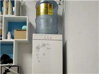 **美的热水器,买了不到一个月,因没地方放,特此出售,100块自提