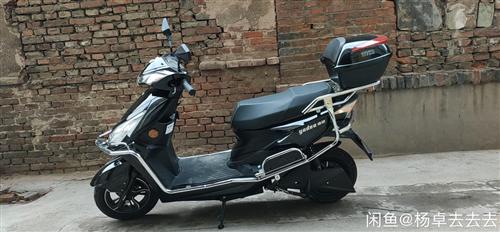 雅迪電動摩托車,買了半年,騎不著了,72/20的