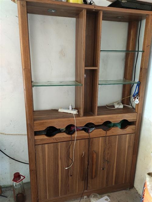 隔厅柜,宽1.15米高1.85米,下面双门是双面开。