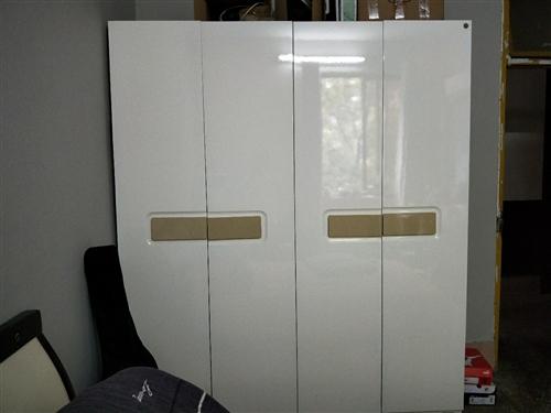 全友家私衣柜,9成新,空间大,仅支持上门取货。原价1800购买,现1100出售