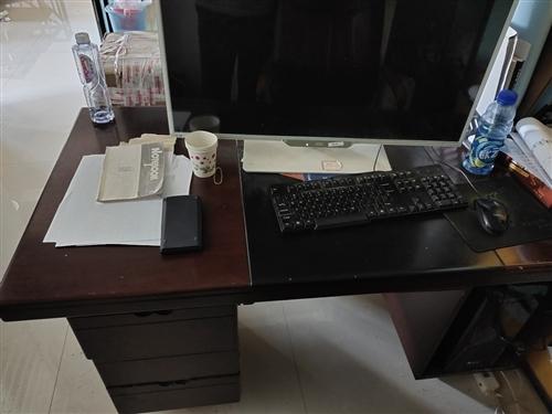 1.2*0.6米辦公桌椅整套出售數量有限要的請速交易15339871190