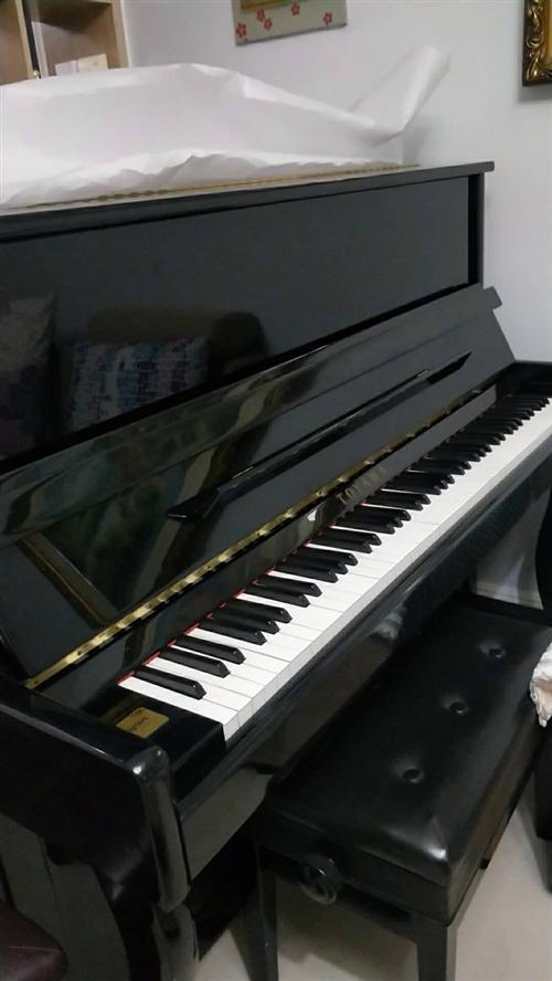 托雅瑪鋼琴120,九成新自用鋼琴,有意的可以上門試琴