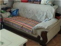 二手沙发3+2海绵超级软,价格未定,非诚勿扰! 仅限县城内,只能运到楼下,上楼自理。