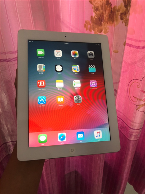 出售蘋果平板電腦iPad2代 9.7寸 85成新左右現在 比較合適看電視 聽音樂 查資料 老人 孩子...