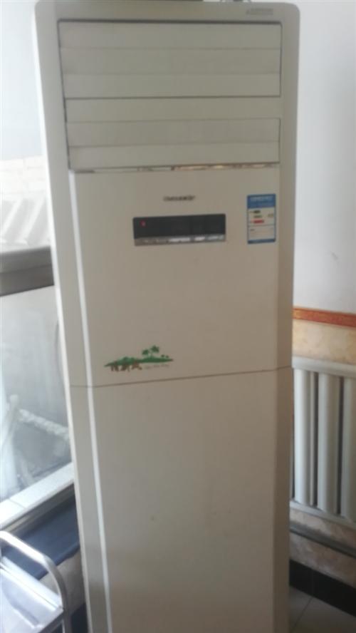 出售二手5匹格力空调一台,九成新。