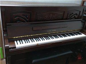 韩国原装进口,九成新英昌121,外观古典优雅,颜色经典百搭,有意可联系我试琴