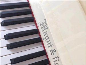 白色公主:格夫曼经典系列121型,原装进口机芯,质量那是杠杠滴。
