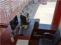 办公室老板桌,沙发九成新